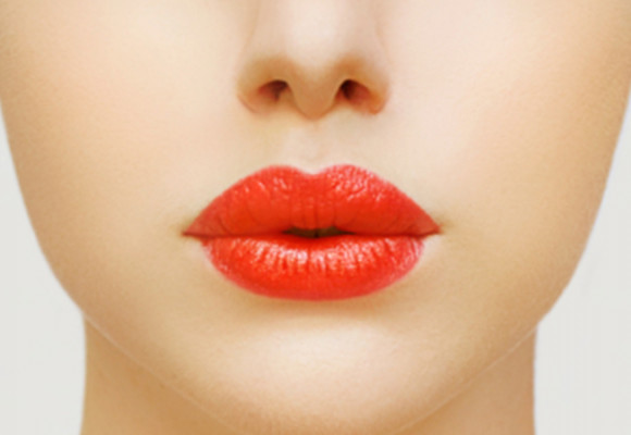 Purse Your Lips to a Flatter Tummy